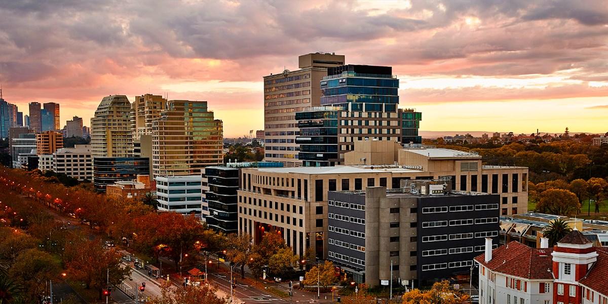 View Melbourne (Melbourne Parkview Hotel) -- Melbourne, Australia