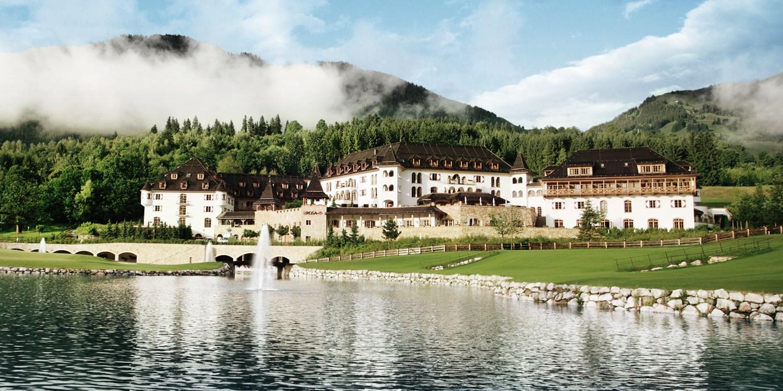 ab 218 € – Österreichs bestes Resort: A-ROSA Kitzbühel mit Halbpension, -30% -- Kitzbühel, Österreich