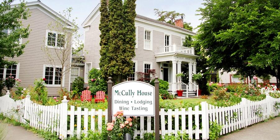$249 -- Southern Oregon 2-Night Wine Country Stay, Reg. $578