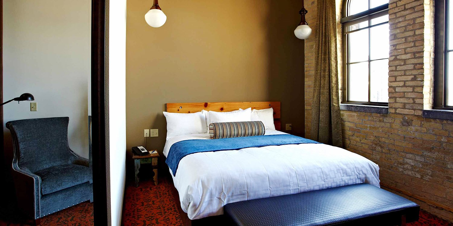 brewhouse inn suites travelzoo