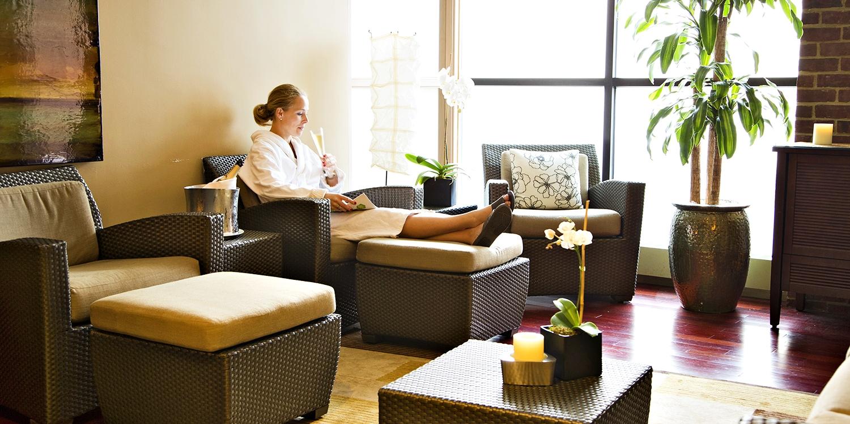 Spa at Four Seasons Georgetown: Massage w/Bubbly thru Summer