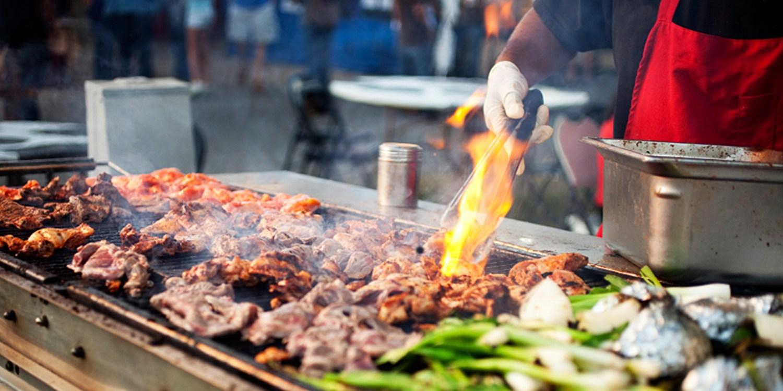 $65 -- BBQ Grilling & Smoking Class w/BYOB Dinner, Reg. $150