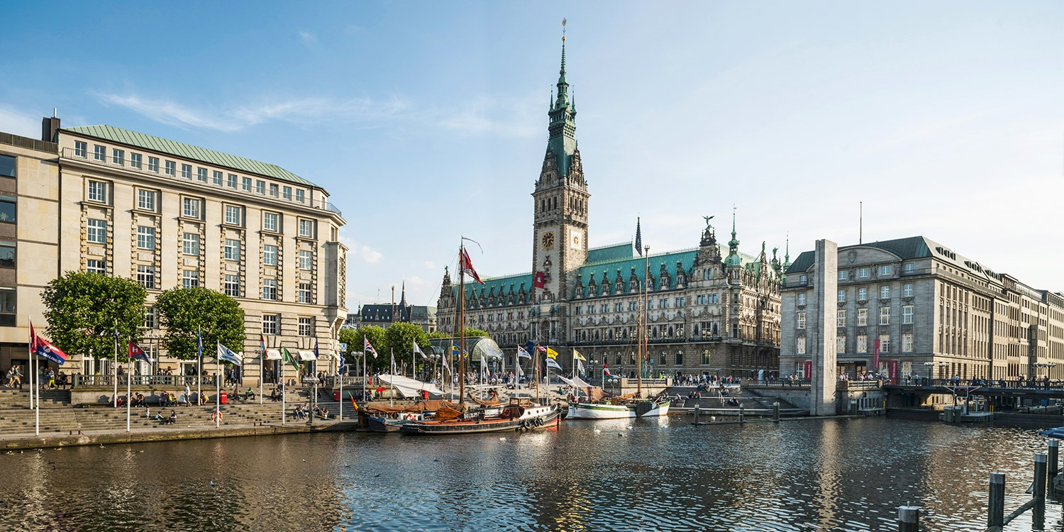 $155 – 4-star Hamburg stay with breakfast, save 40% -- Hamburg, Germany