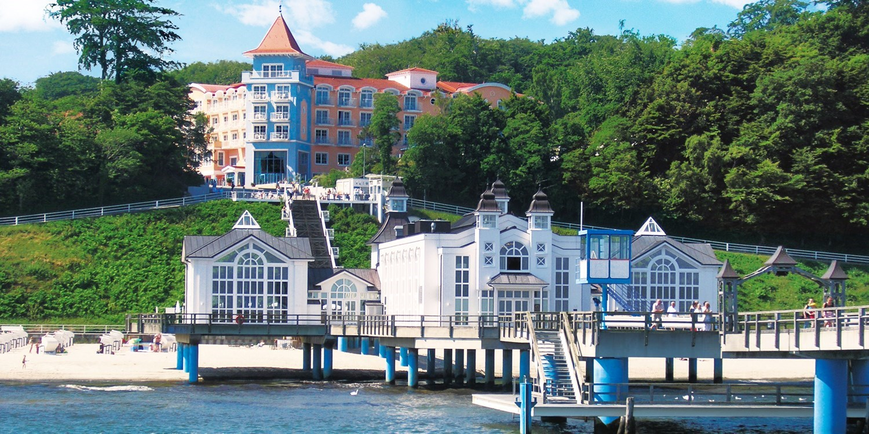 ab 119€ – Wunderschön an der Seebrücke: Urlaub im Kurhaus Sellin, -40% -- Sellin