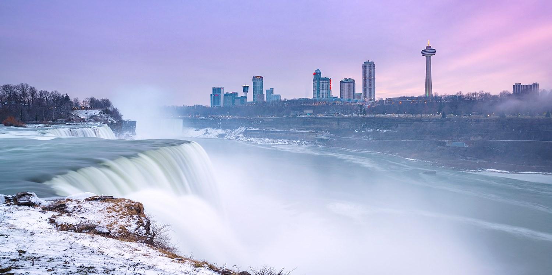 $99 & up – Niagara Falls Mansion with Parking, Wine & Breakfast -- Niagara Falls, Ontario