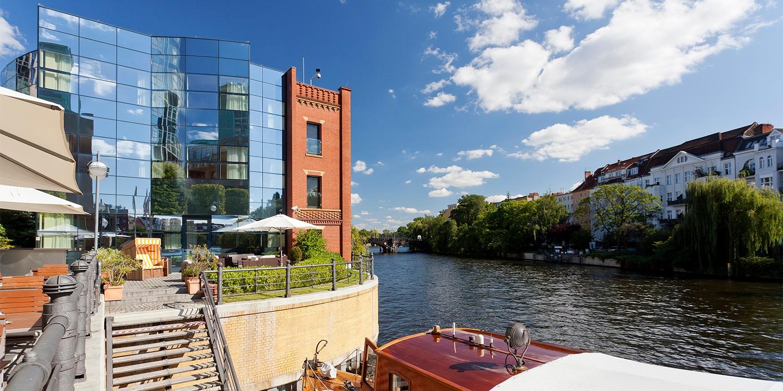 149€ – Berlín: hotel 4* a orillas del río Spree, -43% -- Berlín, Alemania