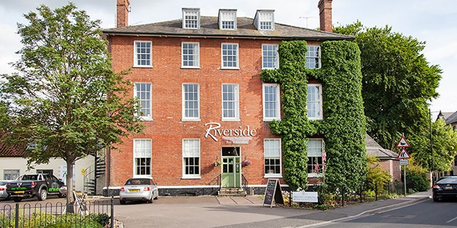 The Riverside House Hotel | Travelzoo