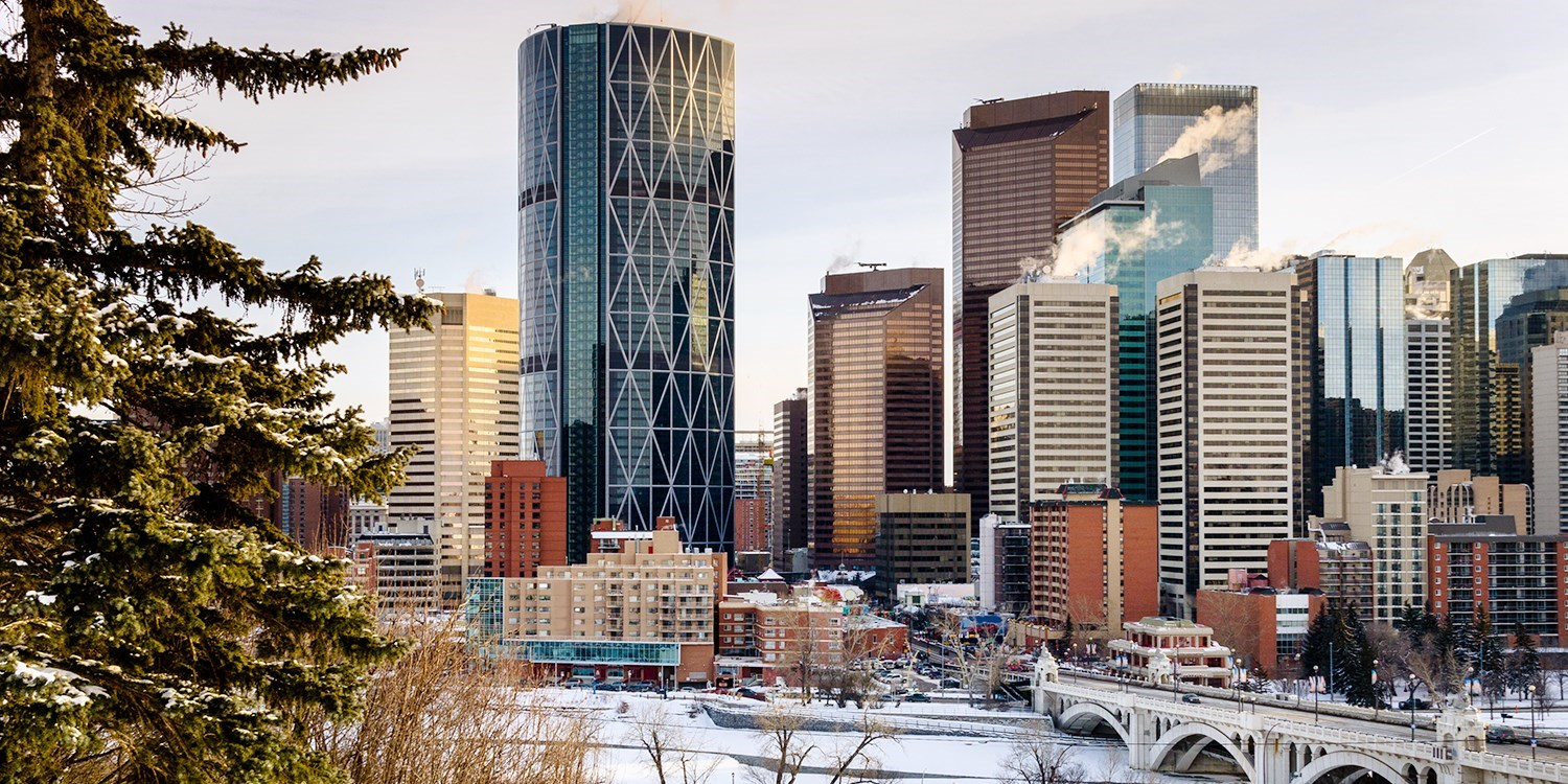 $94 – Calgary Airport Stay w/Cocktails &14 Days' Parking -- Calgary, Canada