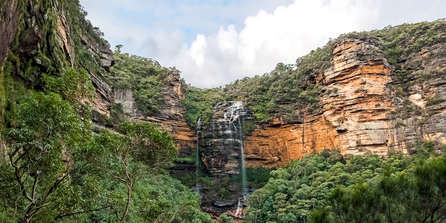 $99 – Blue Mountains Stay w/Wine & Late Checkout, Save 46% -- Katoomba, Australia