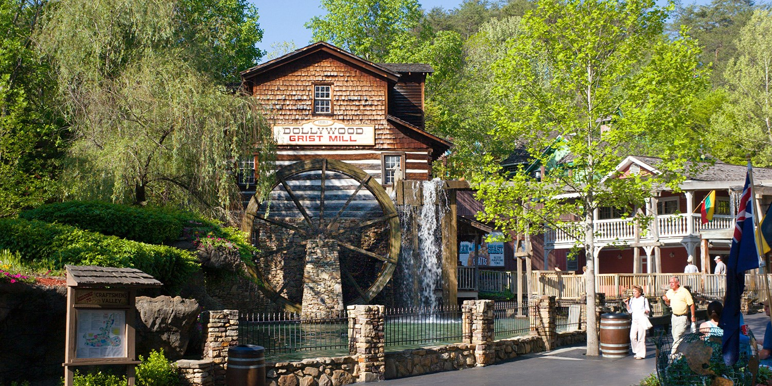 Dollywood's DreamMore Resort | Travelzoo