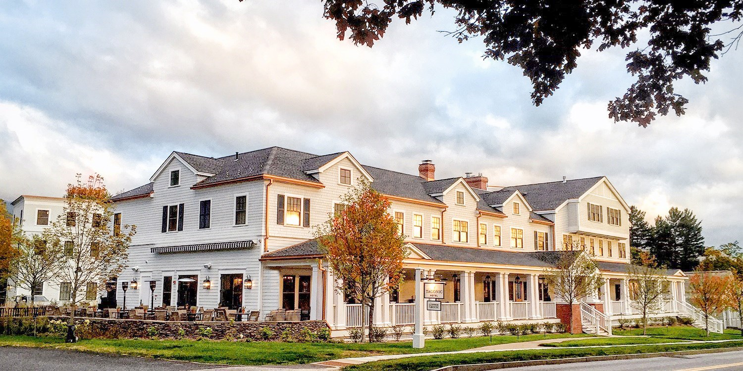 $154 & up – Chic Vermont Hotel incl. Fall-Foliage Season -- Manchester Village, VT