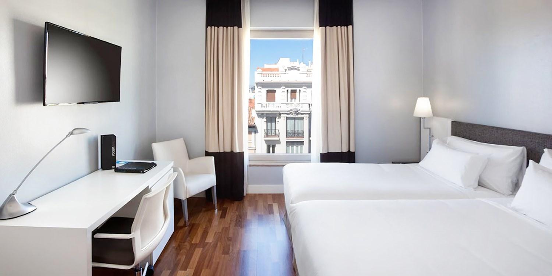 H10 Puerta de Alcalá -- Madrid, Spain