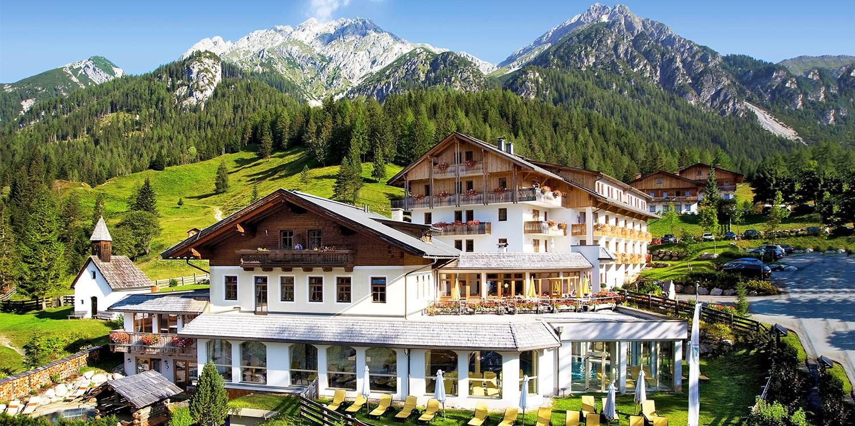 Almwellness-Resort Tuffbad -- St. Lorenzen im Lesachtal, Österreich