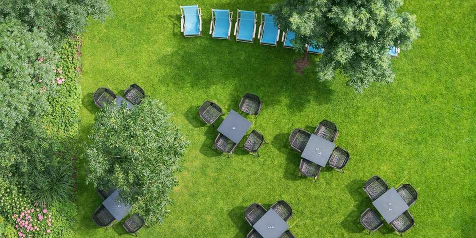 motel one hamburg alster travelzoo. Black Bedroom Furniture Sets. Home Design Ideas