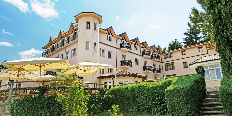 Hotel Bellavista -- San Zeno di Montagna, Italien