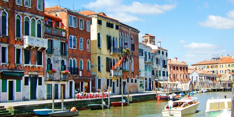 Dsd 65€ – Venecia: palacio s. XV cerca Puente de Rialto, -34% -- Venecia