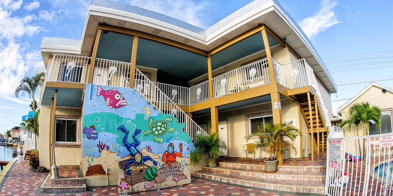 Bay Palms Waterfront Resort - Hotel and Marina | Travelzoo