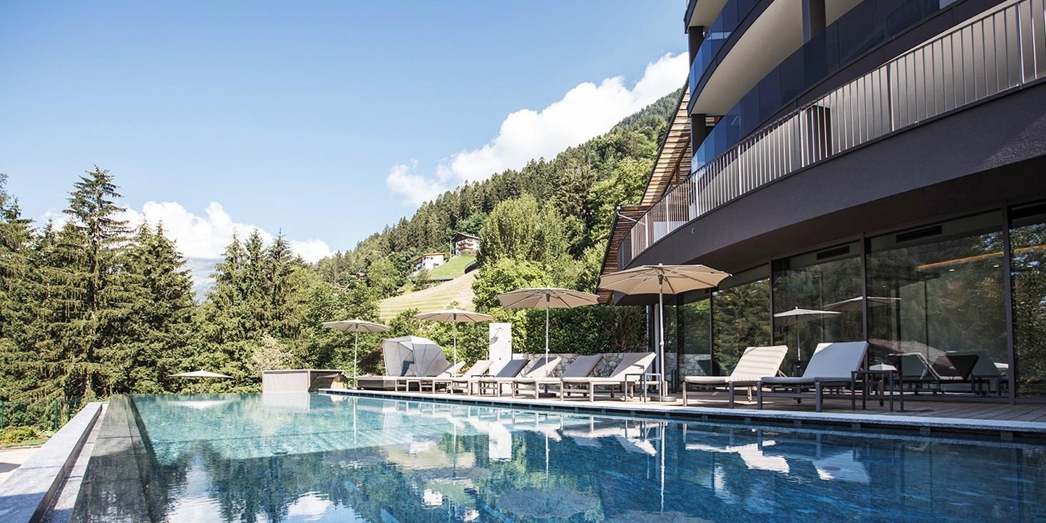 ab 219€ – Südtirol: Neues 4*-Hotel mit Infinity-Pool, -45% -- Bozen, Italien