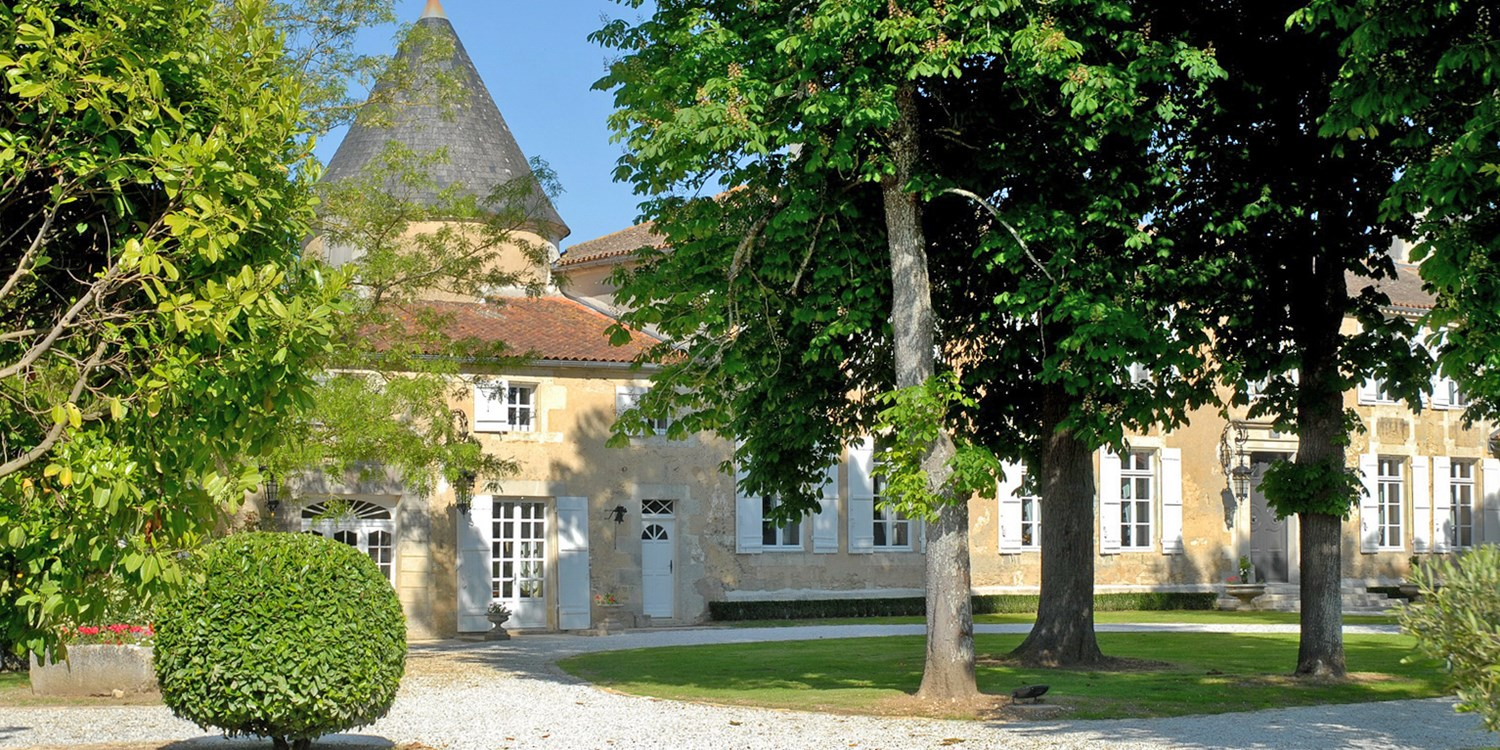 £78 – 4-star French chateau break w/breakfast, bike & Spa -- St.-Coutant-le-Grand, France